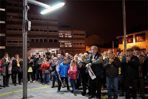 Unes 200 persones es concentren per reclamar la llibertat de Jordi Cuixart