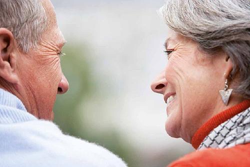 S'obre la inscripció per participar a un grup de suport emocional a persones cuidadores no professionals