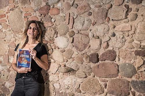 Alexia Domínguez presenta avui  'El artista del cielo' a la Biblioteca Municipal