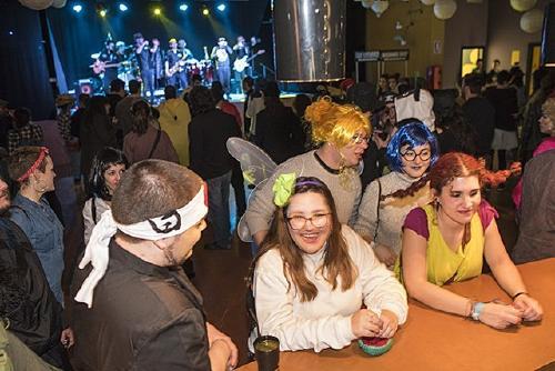 Nova edició del Ball de Carnaval al Pavelló i el CAMnaval al CAM