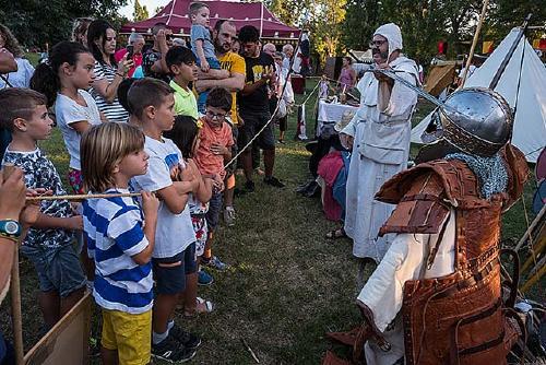 Bona acollida ciutadana a la Fira Medieval a Mas Costa