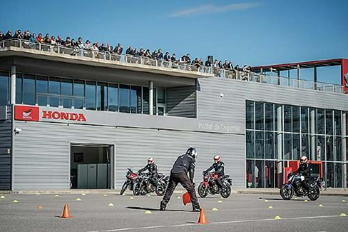 L'Honda Institut de Seguretat ha format més de 25.000 conductors en els seus 10 anys d'existència