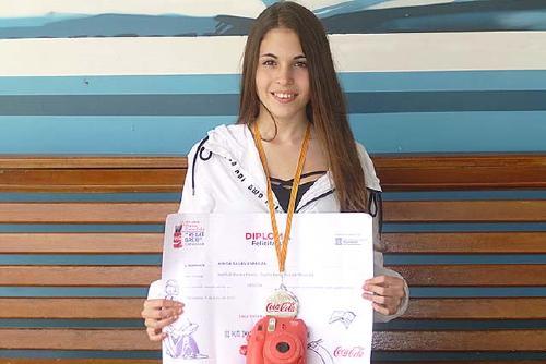 L'alumna Ainoa Salas de l'Institut Rovira-Forns premiada en el concurs literari que Coca Cola convoca des de fa 40 anys