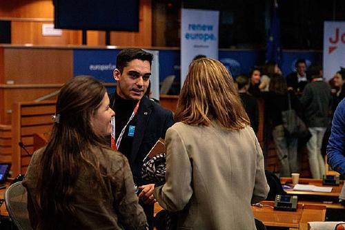 Kevin Romero (Cs)participa en elseminari jove de Ciudadanos en Brussel·les