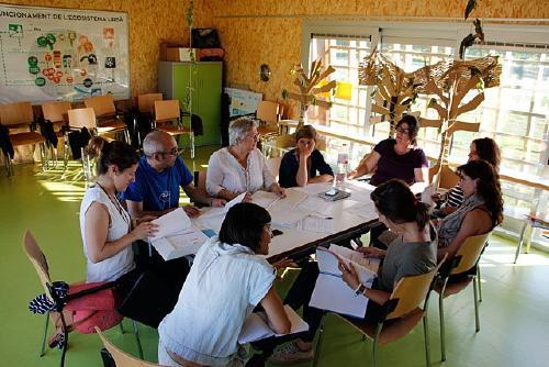 El Grup de Famílies del PEC tractarà la creació d'una escola de mares i pares