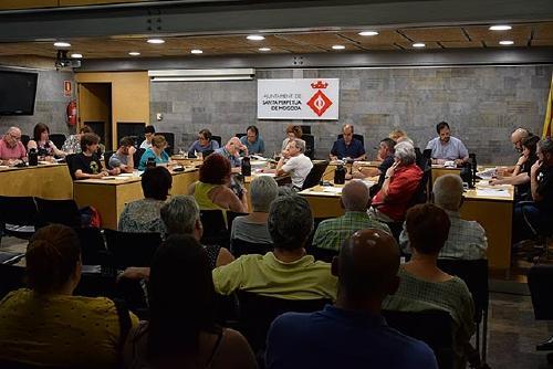 El Ple aprova una proposició en suport al poble gitano