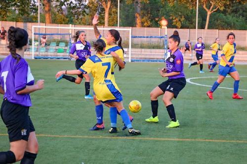 Debut amb derrota del primer equip femení de la UCF Santa Perpètua
