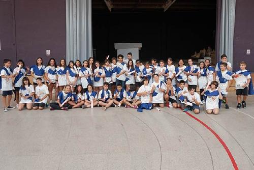 La comunitat educativa d'Els Aigüerols acomiada a la seva primera promoció d'alumnes