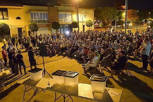 Òmnium Cultural i l'Assemblea recorden a Santa Perpètua el segon aniversari de l'1 d'Octubre