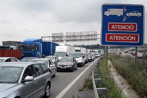La solució per reduir la contaminació no passa per fer més carreteres, segons ERC