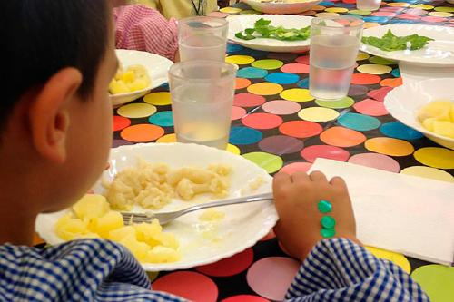 Les sol·licituds de beca de menjador pel proper curs han augmentat més d'un 7%