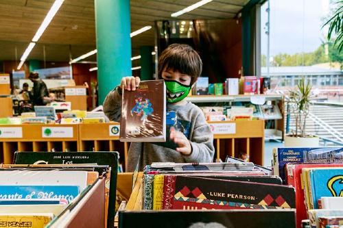 La Biblioteca torna a oferir contes per a bebès i tallers infantils