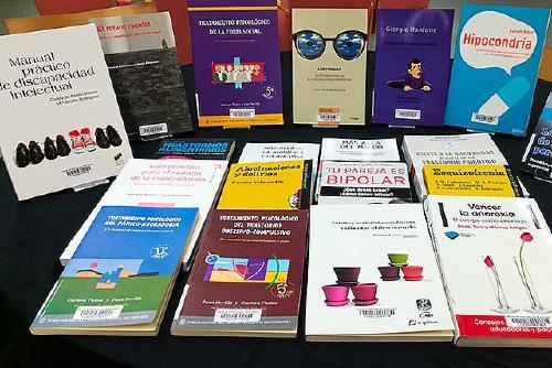 La Biblioteca presenta una exposició bibliogràfica sobre la salut mental