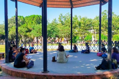 El Servei de Comunicació ha organitza un taller de fotografia amb mòbil durant les activitats de lleure adreçada als joves