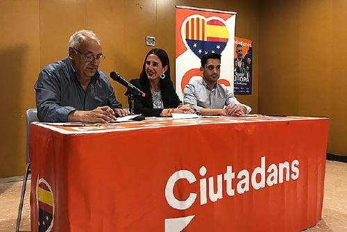 Ciutadans debat sobre sanitat al Centre Cívic de Can Taió