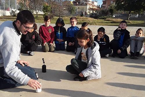 Educació organitza el taller 'El color de les estrelles' en el marc de la Programació Estable