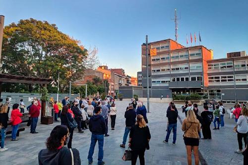 Concentració en contra de la condemna d'inhabilitació de Quim Torra