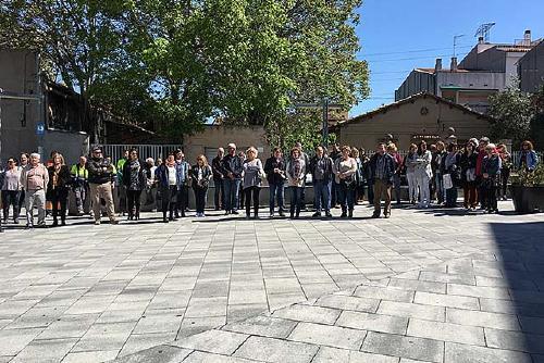 L'Ajuntament ha convocat un minut de silenci per condemnar l'atemptat de París
