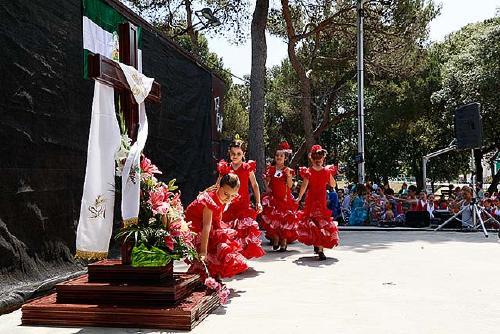El Centro Cultural Andaluz celebra la Cruz de Mayo aquest diumenge al parc Municipal