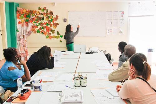 Nou curs per preparar les proves de nacionalitat