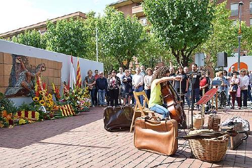 Santa Perpètua recorda els exiliats per les guerres durant la Diada Nacional de Catalunya