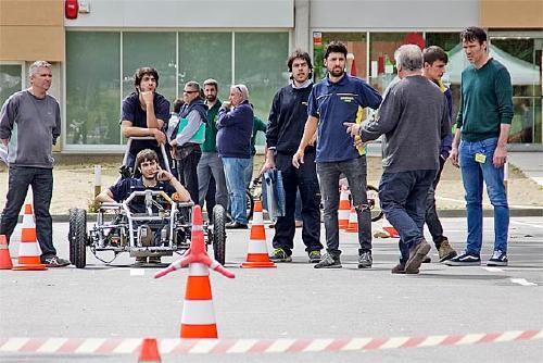 Quatre dels vuit equips participants a l'ElectroCat han fet proves al recinte firal