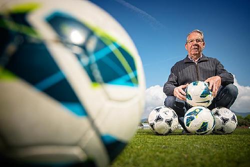 ''He gaudit molt amb el futbol en diverses etapes i seguiré fent-ho fins que em deixin''