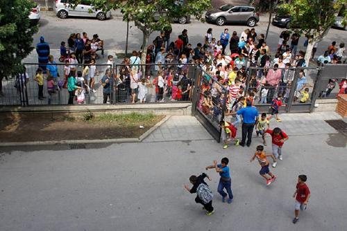L'AMPA de l'Escola Bernat de Mogoda critica el tancament de línies de P3