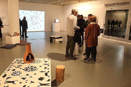 Programen aquest dissabte una visita guiada a l'exposició 'Natural/ Artificial'