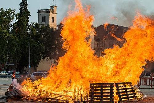 La Flama del Canigó encendrà diumenge la foguera de Sant Joan