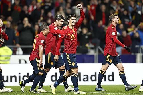 Dos nous gols de Gerard Moreno amb Espanya