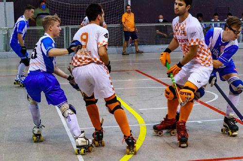 El primer equip del CH Santa Perpètua guanya l'Espanyol B per 4 a 2 en un amistós