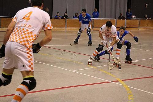 El primer equip del CH Dalmec Santa Perpètua arrenca amb derrota a la pista del Monjos