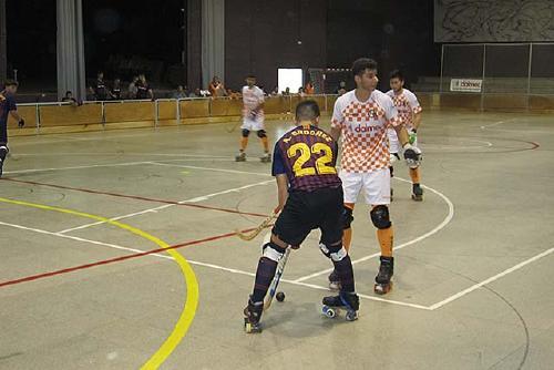 El Club Hoquei Dalmec cau davant el Barça Lassa en un partit molt igualat