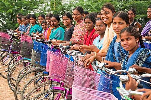 L'Ajuntament col·labora amb el dret a l'educació Secundària a l'Índia