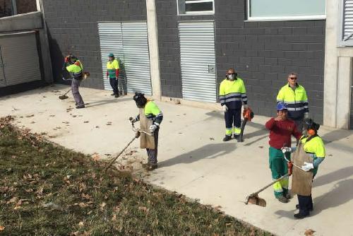 Divuit veïns inicien les accions formatives de Treball als barris