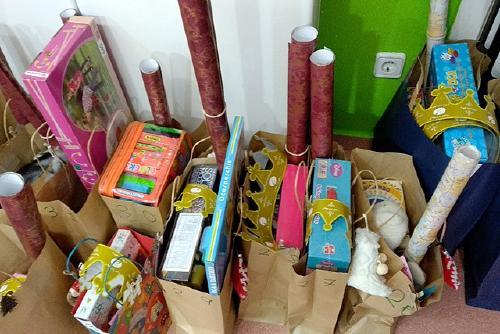 Gairebé una setantena de famílies es beneficien de la campanya 'Cap infant sense joguina'