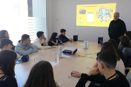 La Regidoria d'Educació inicia el servei comunitari de Joves Periodistes