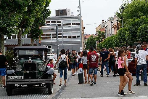 La Tercera Trobada Motor Clàssic de Santa Perpètua reuneix 90 vehicles