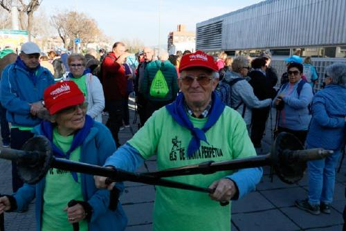 La passejada 'A cent cap als cent' reuneix 165 participants