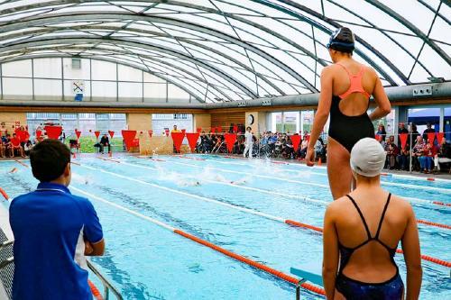 El Servei d'Esports treballa amb la intenció de tornar a programar cursets de natació i d'aquagim la propera setmana