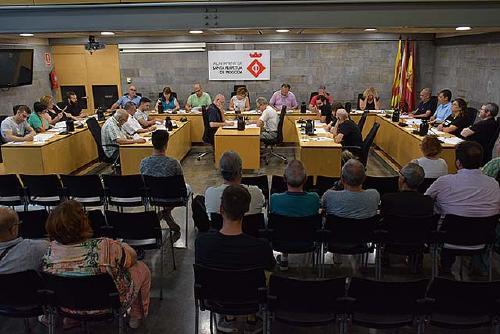 El Ple aprova la nova organització municipal i les retribucions dels càrrecs electes, directius i eventuals