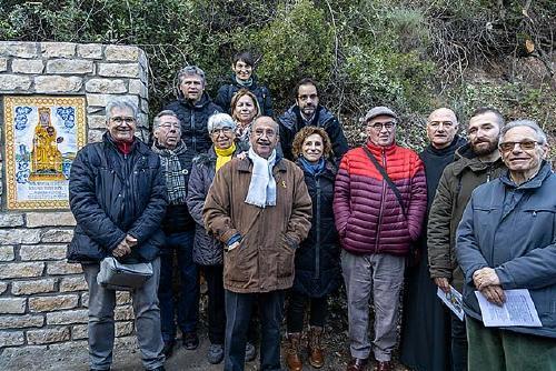 Amics de Santiga inaugura el monòlit de la Mare de Déu de Santiga a Montserrat