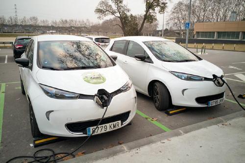 Creix un 50% el nombre de vehicles elèctrics a l'Eix de la riera de Caldes