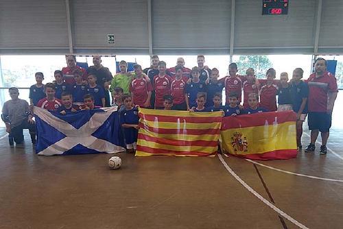 Un conjunt aleví de l'Sport Sala juga el seu primer partit internacional
