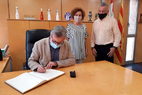 El delegat del Govern a Barcelona visita l'Ajuntament de Santa Perpètua