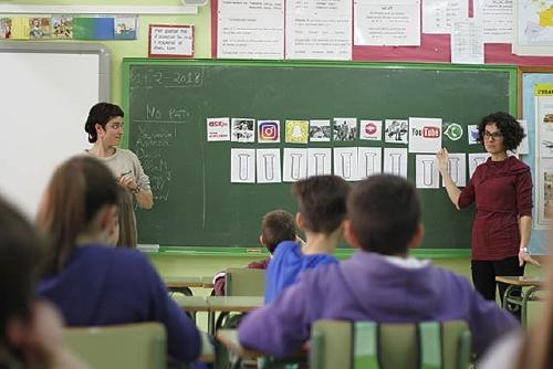 Joventut treballa l'ús de les xarxes socials a les escoles públiques