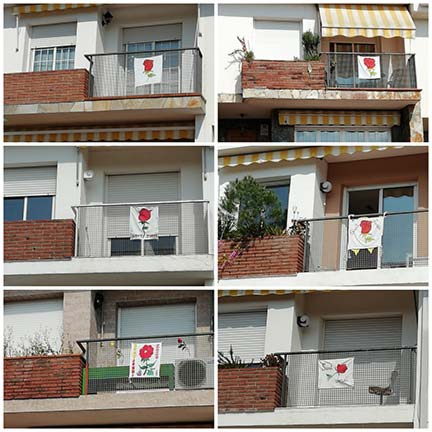 Els veïns del carrer Tierno Galván devant del CEIP Santa Perpètua, volem celebrar un bonic i estimat Sant Jordi, malgrat el confinament.