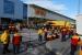 Treballadors de DHL inicien una vaga en protesta per l'acomiadament de dos companys