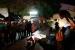 Un centenar de persones es concentra a la plaça de la Vila per donar suport als imputats pel 9N